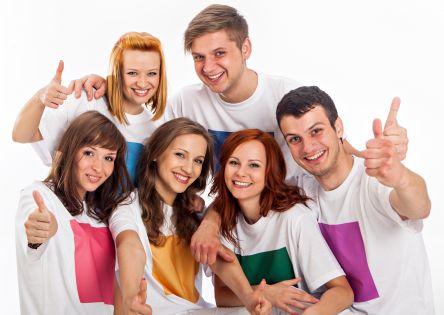 Zdjęcie zadowolonych studentów