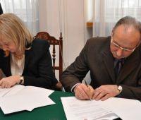 Podpisanie umowy patronackiej z Hrubieszowskim...