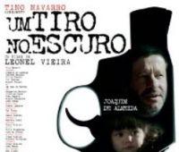 """Projeção do filme de  Leonel Vieira: """"Um tiro no..."""