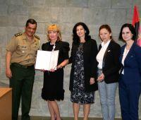 A entrega da Medalha Cruz da Paz dos Veteranos da FEB  à...