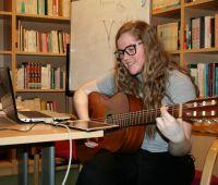 Amanda Neumann Sanches da UNIJUI – Diálogos com a música...