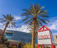 University of Nevada, Las Vegas  poszukuje absolwentów do...