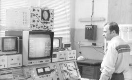 15.05.1979 r. – uruchomienie implantora jonów w Zakładzie...