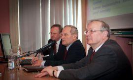Minister Stanisław Koziej na Wydziale Politologii