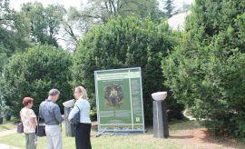 """20 lipca: Wernisaż wystawy """"Maria Skłodowska-Curie i..."""