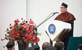 Nadanie tytułu doktora honoris causa UMCS prof. Ronaldowi...