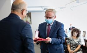 Prof. Marek Pietraś receives  the City of Lublin Medal...