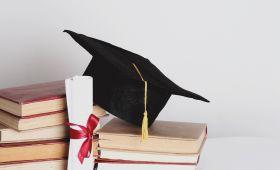 Absolwentki Wydziału nagrodzone za prace związane z...