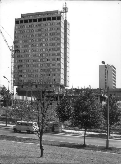 Budowa gmachu Rektoratu