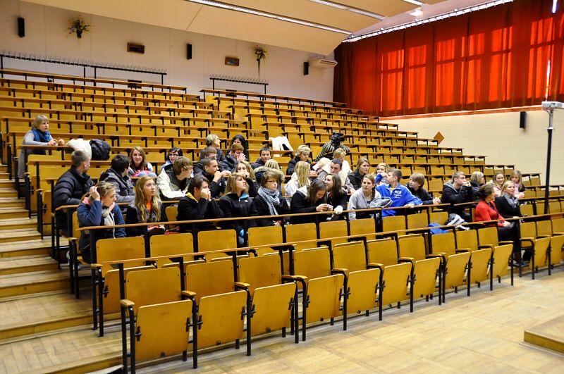 Wizyta młodzieży polonijnej z Chicago w UMCS - pokazy z...