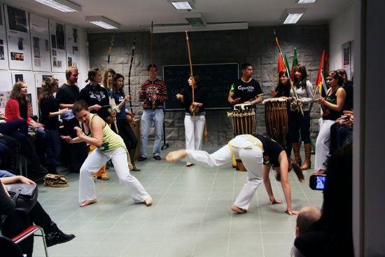 24.11.2010 CAPOEIRA - POKAZ