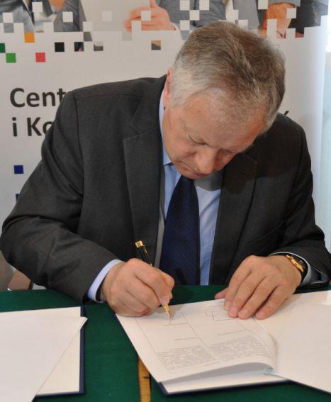 Podpisanie umowy z PZL Świdnik S.A.