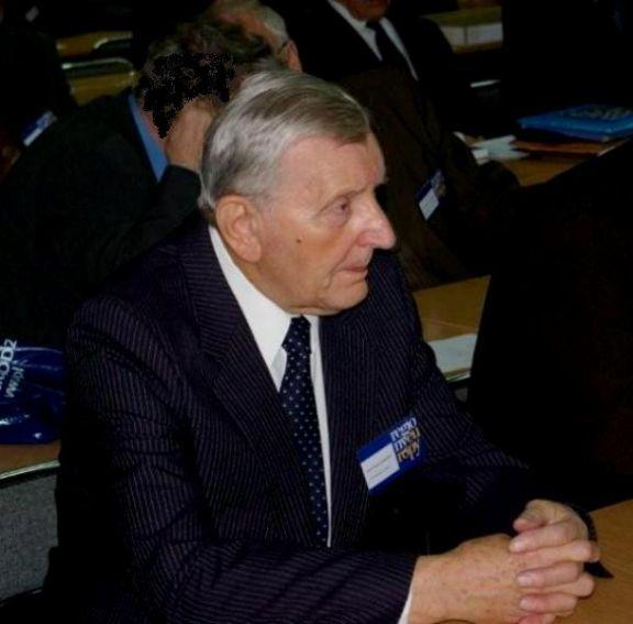 Prof. Jerzy Kmieciński.