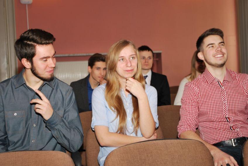 Uczniowie VIII Liceum Ogólnokształcącego im. Zofii...
