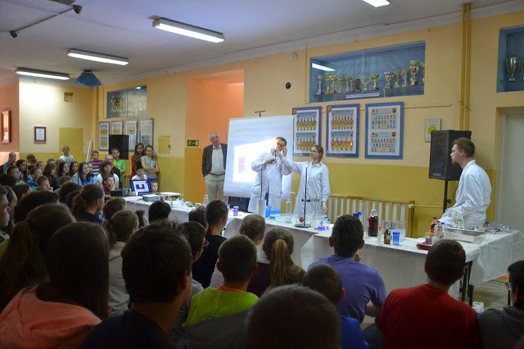 Pokazy Chemiczne w Gimnazjum im. M. Siemiona w...