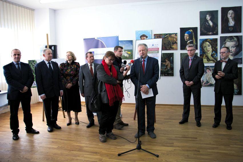 Niezwykłe odkrycie w Grodach Czerwieńskich - prezentacja...