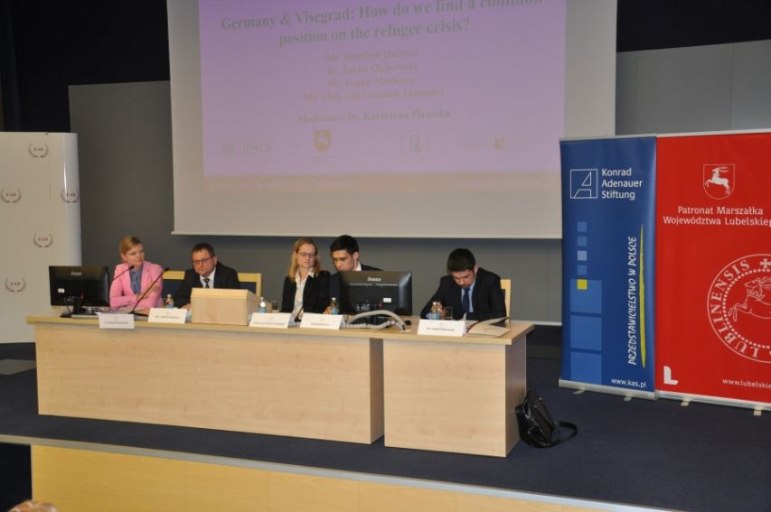 """""""Building The New Central Europe (...)""""- konferencja"""