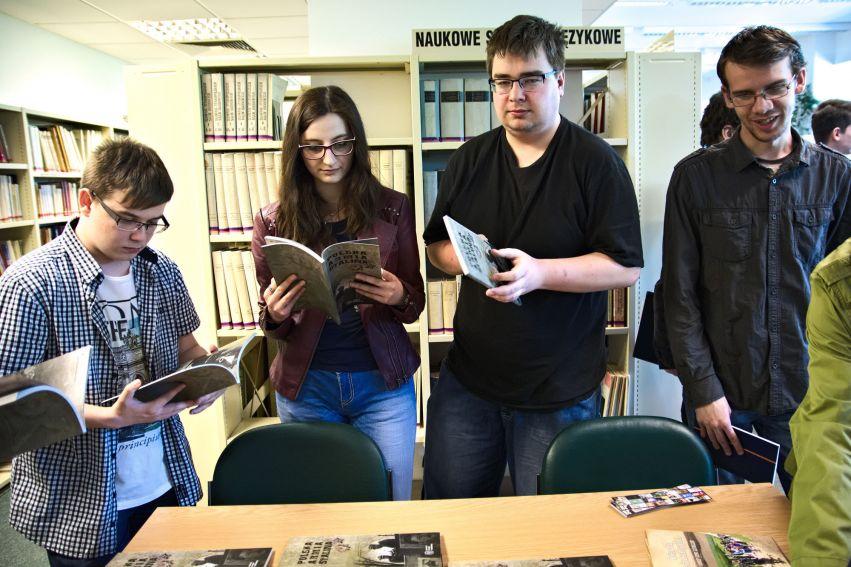 Kącik gier historycznych w Czytelni Instytutu Historii