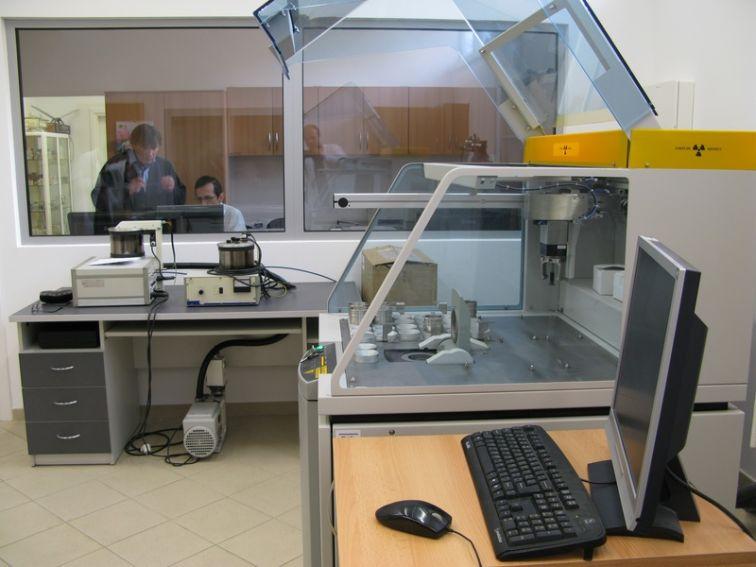 Spektrometr Fluorescencji Rentgenowskiej (XRF)