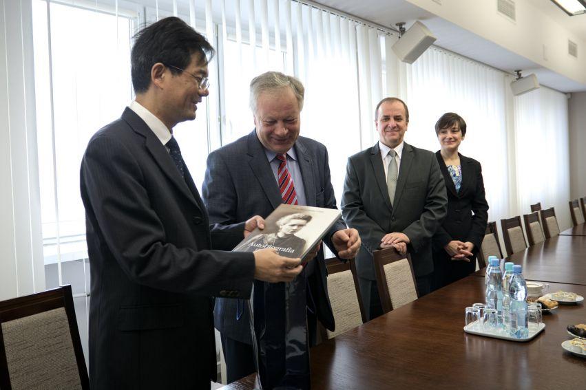 Podpisanie porozumienia między UMCS a Zhejiang University...