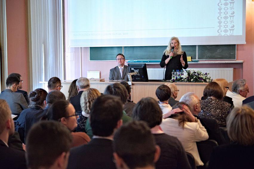 "Konferencja ""Politologia religii"""