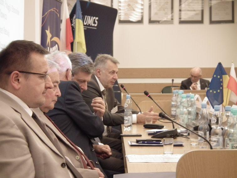 """Międzynarodowa Konferencja""""Stosunki..."""