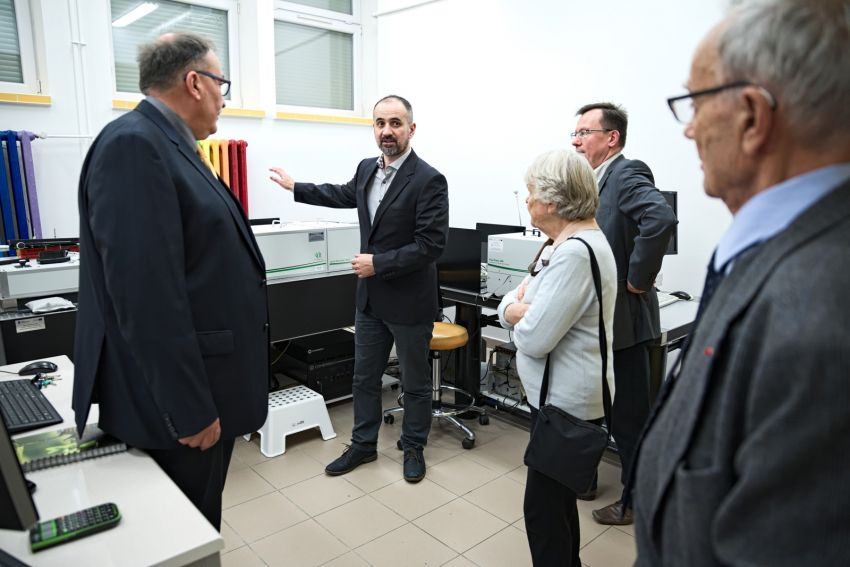 Spotkanie wnuków Marii Curie-Skłodowskiej z zespołem...