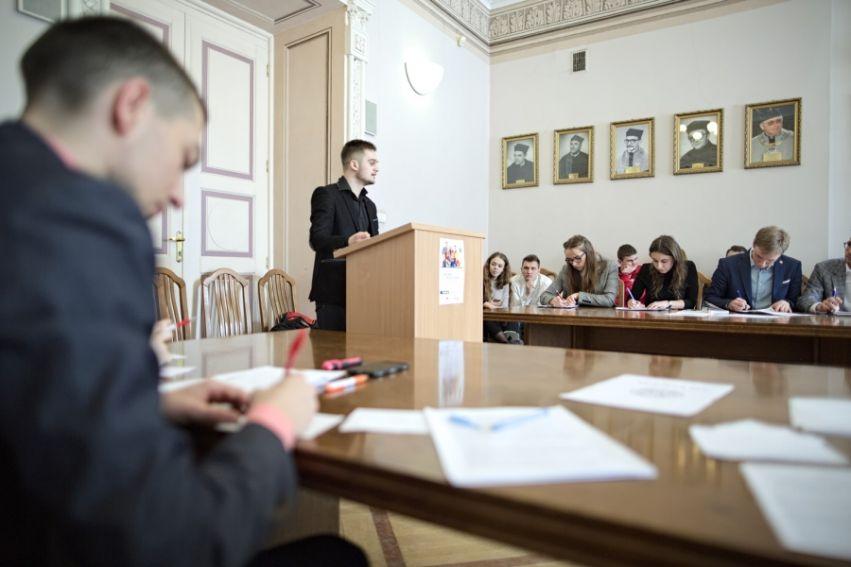 Debata oksfordzka na Wydziale Politologii