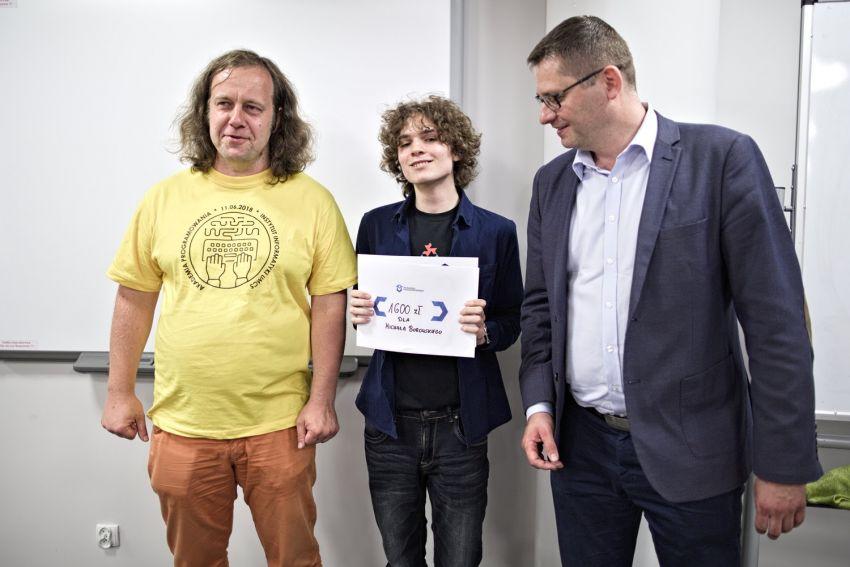 """Finał konkursu """"Algorytmy i struktury danych"""""""