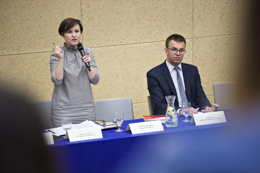 Konferencja konsultacyjna dotycząca koncepcji nowego...