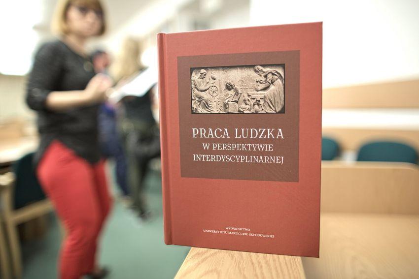 """Promocja książki """"Praca ludzka w perspektywie..."""