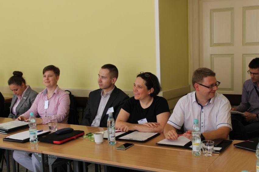 """Konferencja naukowa: """"Mediatyzacja polityki. Fake news i..."""