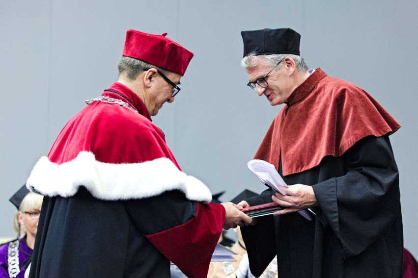 Doktor honoris causa dla prof. Snydera