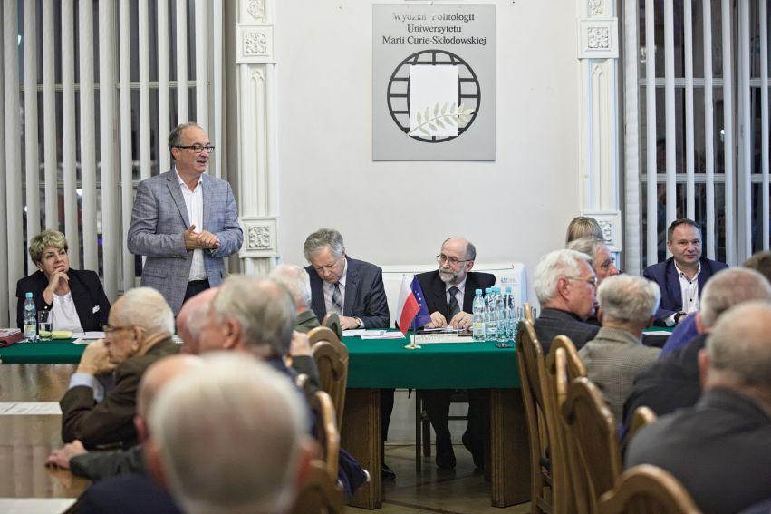 """Seminarium """"O aktualności manifestu Tymczasowego..."""