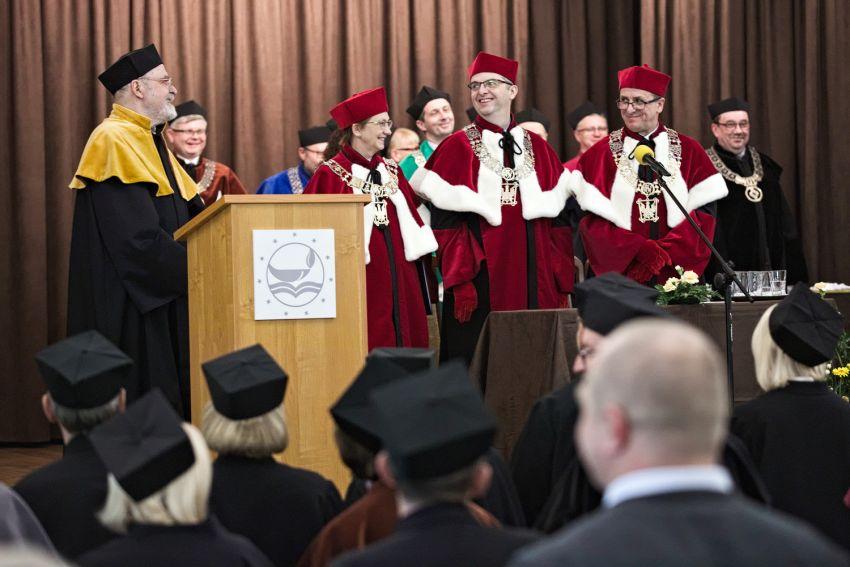 Uroczystość nadania tytułu DHC dla prof. J. Brzezińskiego