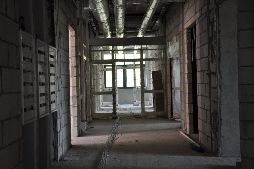Budowa frontowego skrzydła budynku Instytutu NoZ -...