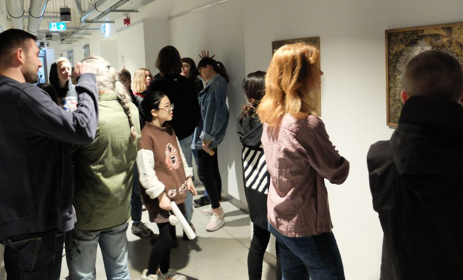 """Fotorelacja z wystawy """"Nietrwałość"""" dr Anny..."""