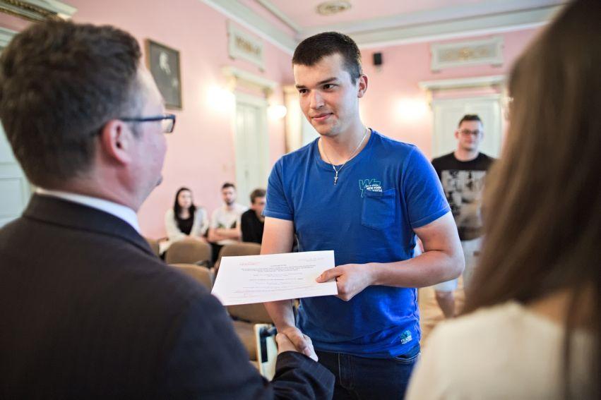 Certyfikaty dla uczestników szkolenia w ramach Legii...