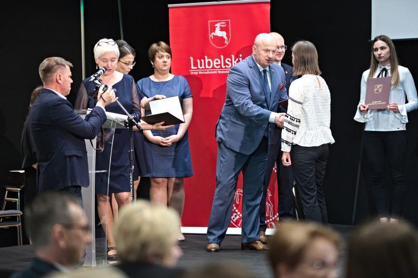 Wręczenie stypendiów Marszałka dla studentów