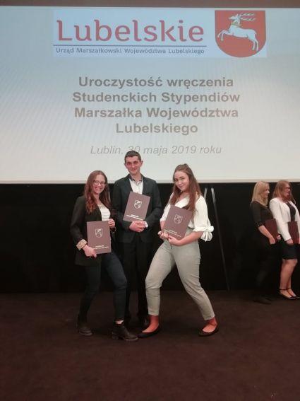 Studenci WNoZiGP stypendystami Marszałka Województwa...