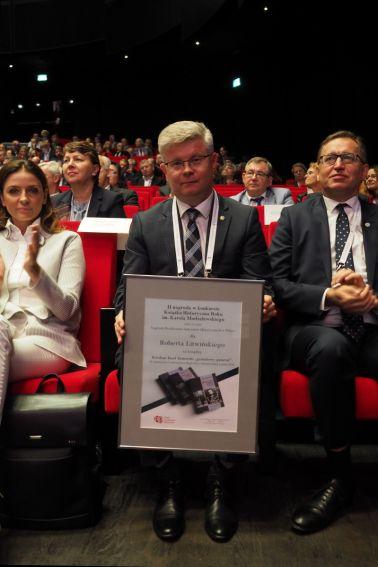 """Ceremonia wręczenia nagrody w konkursie """"Książka..."""
