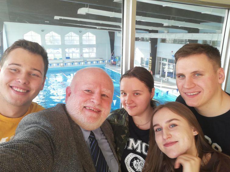 8. Od lewej: Wojciech Czajka, Leszek Mikrut, Władysława...