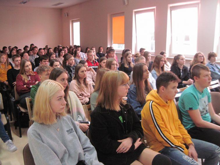 13. Młodzież ucząca się języka rosyjskiego z bialskiego...