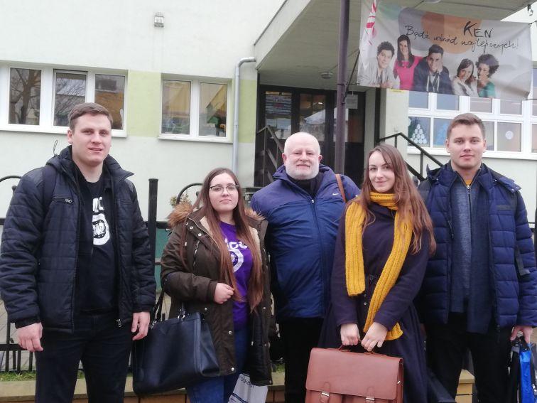 Pożegnanie SGP z UMCS przed LO im. KEN w Puławach. Od...
