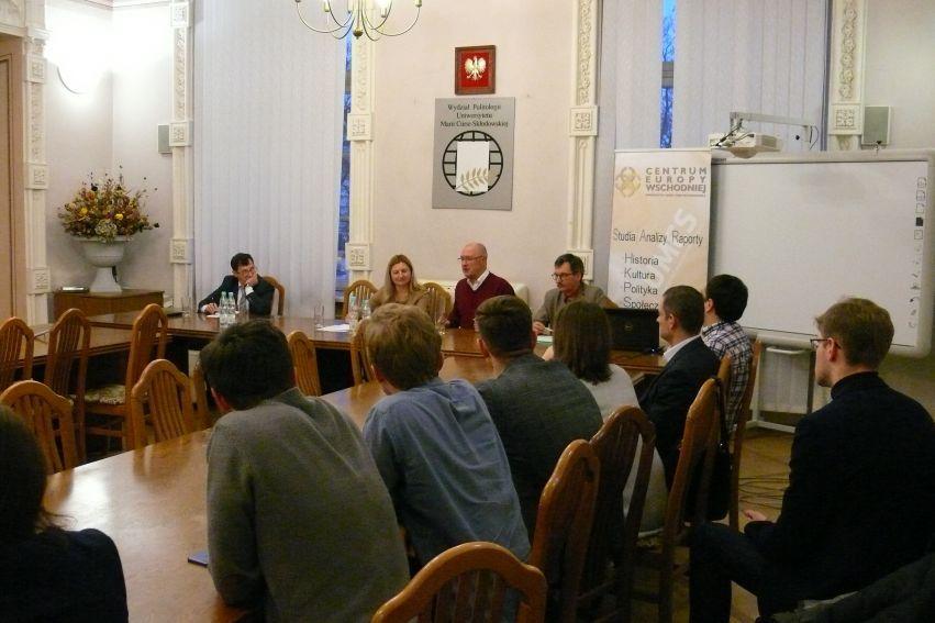 """Seminarium naukowe """"Ukraina: między narodem politycznym a..."""