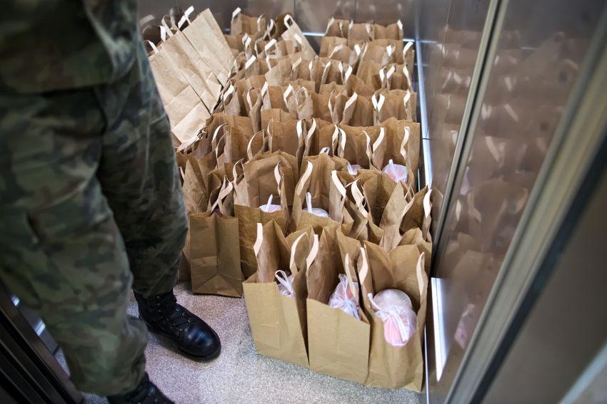 Świąteczne posiłki dla mieszkańców domów studenckich UMCS