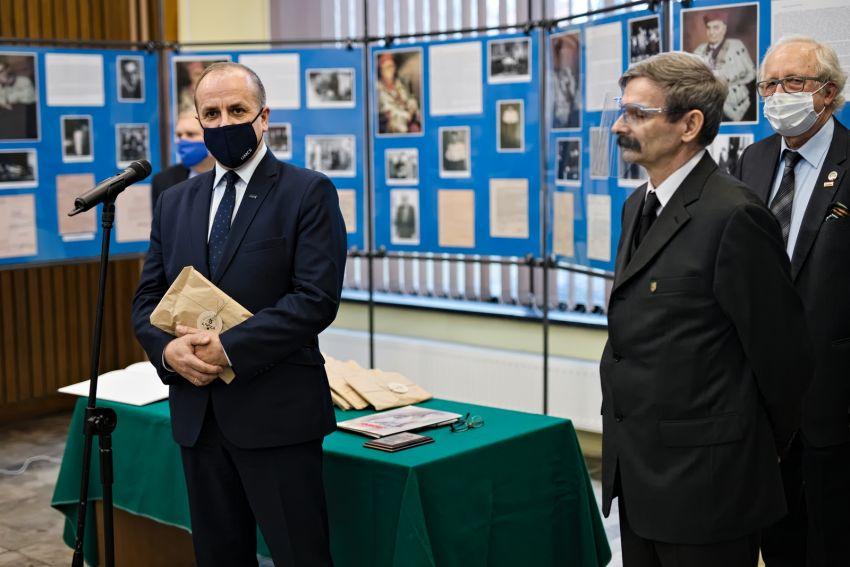 Otwarcie wystawy z okazji 40-lecia powstania NSZZ...