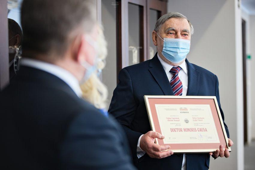 Prof. Stefan Sokołowski doktorem honoris causa Instytutu...