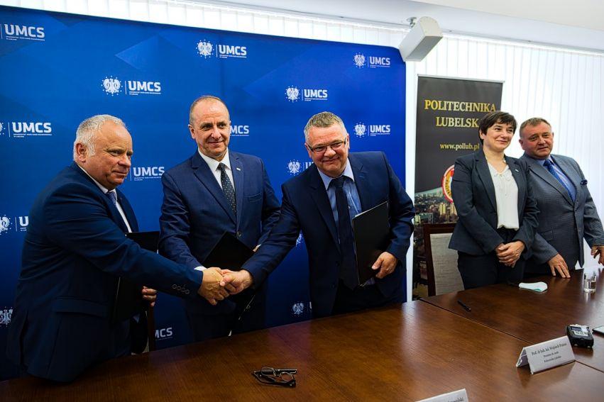 Podpisanie umowy o współpracy dydaktycznej w ramach...