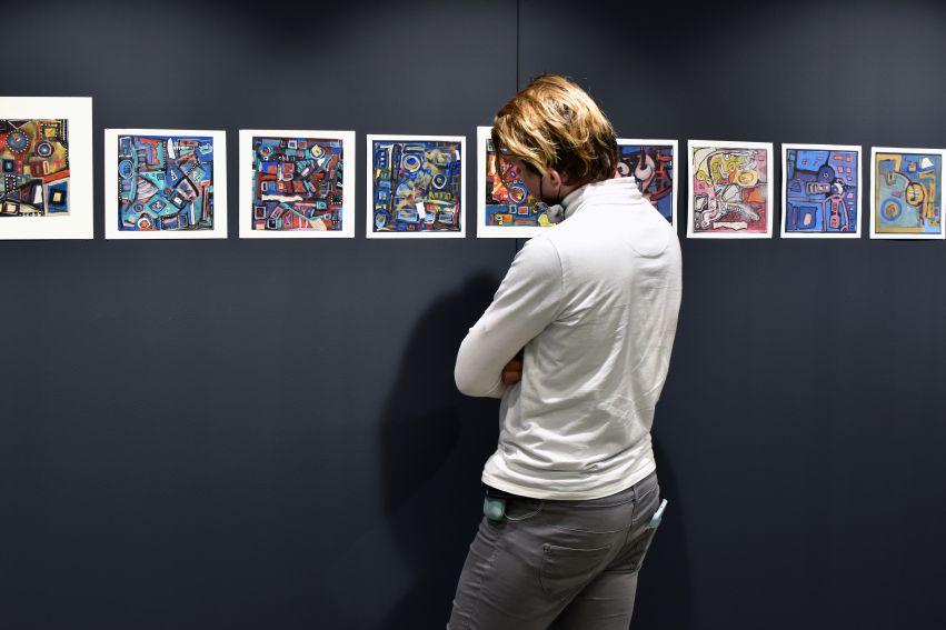 Robert Znajomski w Galerii Wydziału Artystycznego